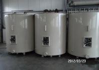 Atypické plastové nádrže